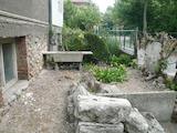Двуетажна къща до парк Толбухин в кв. Васил Левски
