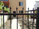 Двуетажна нова къща в сърцето на квартал Галата