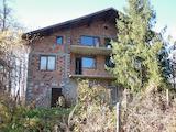 Триетажна къща във вилна зона на 4 км от Враца