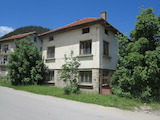 Solid 2-storey house with garden overlooking the Rila Mountain