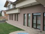 Луксозно завършена двуетажна къща на 25 км от столицата