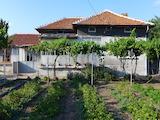Едноетажна къща на 3 км от Раднево