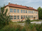 Бивше училище и много земя, на 17 км от град Разград и на 60 км от Русе
