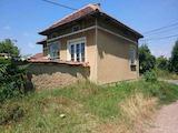 Едноетажна къща с голям двор на 50 км от Велико Търново