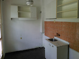 Tристаен апартамент в тухлена сграда в град Велико Търново