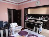 Четиристаен апартамент с гараж в центъра на Добрич