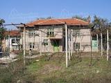 Двуетажна къща между Пловдив и Стара Загора