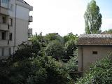 Тристаен апартамент на тиха и спокойна улица в кв. Банишора
