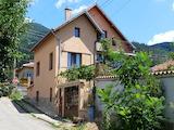 Голяма къща за продажба до Казанлък