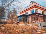 Луксозна къща с голям двор в Панчарево