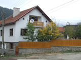 3-storey house with yard 16 km from ski resort Borovets