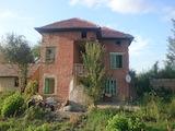 Двуетажна къща в село само на 24 км от Велико Търново