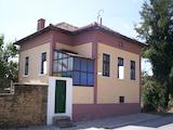 Реновирана  къща с двор на 50 км от Велико Търново