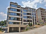 Тристаен апартамент на шпакловка и замазка в затворен комплекс, кв. Бояна