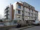 Тристаен апартамент в сграда в кв. Манастирски ливади