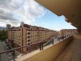 Тристаен апартамент на шпакловка и замазка, Цариградски комплекс