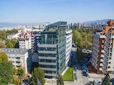 Панорамен офис в луксозна сграда