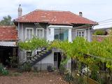 Двуетажна къща на 15 км от Стара Загора