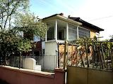 Двуетажна къща с двор в гр. Елхово