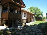 Двуетажна  къща с двор в село само на 15 км от Велико Търново