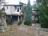 Облагороден и ограден парцел за строеж на къща, вила, сервиз