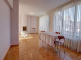 Тристаен апартамент, потенциален четиристаен, в южен квартал на София