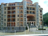 Unfurnished one-bedroom apartment in Negresko Complex, Elenite Resort