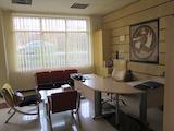 Напълно обзаведен офис на две нива в предпочитан квартал