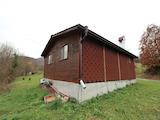 Koкетна малка къща до река, само  на 16 км от град Елена