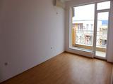 Необзаведен двустаен апартамент в комплекс Съни Дей 6/ Sunny Day 6