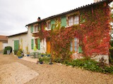 Къща  в  Poursac