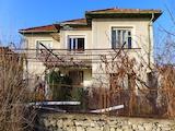 Селски имот между Пловдив и Стара Загора