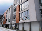 Тристаен апартамент в кв. Бояна