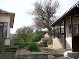 Две реновирани и обзаведени къщи, на 10 км от Велико Търново