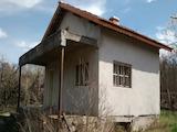 Едноетажна къща във вилната зона на град Ловеч