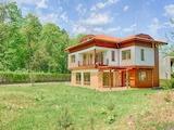 Прекрасный дом в закрытом комплексе у подножья горы Витоша в Софии