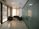 Практичен офис с паркомясто до метростанция Лъвов мост