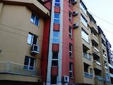 Тристаен апартамент до възлови булеварди в кв. Хиподрума