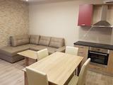 Луксозен двустаен апартамент до УНСС