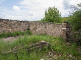 Парцел с каменна постройка само на 15 км от Велико Търново