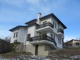 Двуетажна къща с двор на 15 минути от ски курорт Боровец