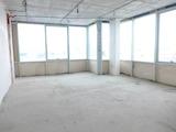 Просторен, панорамен офис в нова луксозна сграда в Студентски град
