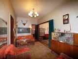 Tристаен апартамент със стар аристократичен дух в сърцето на София