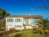 Къща  в  Montravers
