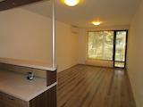 Слънчев двустаен апартамент до парк Заимов в кв. Оборище