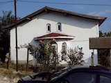 Къща в Приселци с голям двор