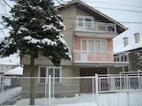 Масивна двуетажна къща на ул. Цар Симеон Велики в гр. Видин