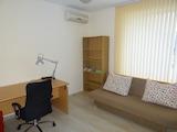 Обзаведен двустаен апартамент в центъра на Варна