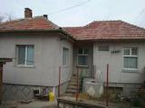 Едноетажна къща с двор на 5 км от Велико Търново