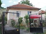 Южна селска къща с двор близо до Белоградчик
